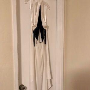 BcbgmaxAzria white elegant gown with fringe